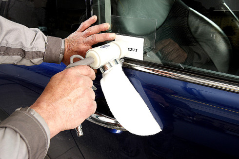 Leptání skel nefunguje jako zcela zabezpečení vozidla