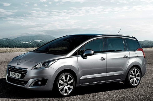 Nový luxusní rodinný MPV Peugeot 5008 i v sedmimístné verzi