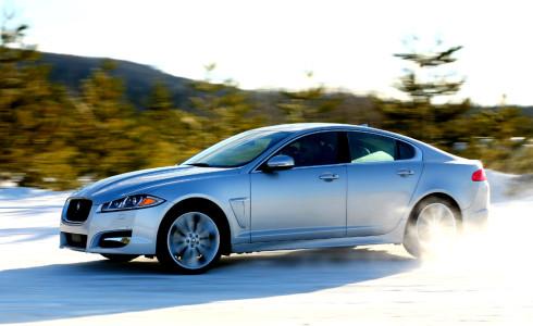 Zimní edice sportovního sedanu Jaguaru XF 3,0 l AWD je dostupná pro české zákazníky