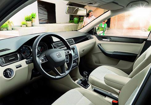 Autoperiskop.cz  – Výjimečný pohled na auta - SEAT uvádí na český trh rodinný sedan Toledo ve významně vylepšeném provedení pro modelový rok 2014
