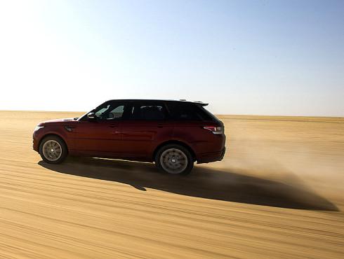 Range Rover Sport stanovil nejrychlejší zaznamenaný čas pro přejezd pouště Rub al-Chálí v délce 849 km (česky Pustá končina) sériovým vozem.