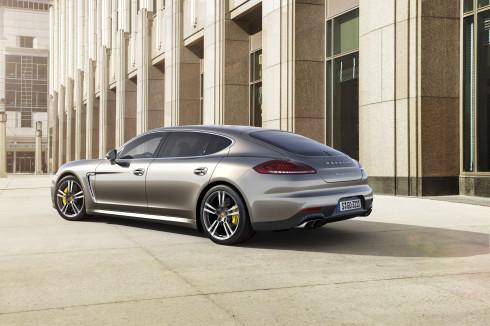 Světová premiéra nového Porsche Panamera Turbo S se uskuteční na autosalonu v Tokiu.