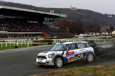 Václav Pech jun. s MINI na Pražském rallysprintu 2013 v Praze Chuchli zvítězil