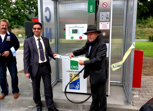V České republice je v provozu již 52 veřejných plnicích stanic na stlačený zemní plyn (CNG)