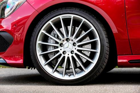 Nový Mercedes-Benz CLA 45 AMG zvolil pro svůj nový model pneumatiku Dunlop Sport Maxx RT