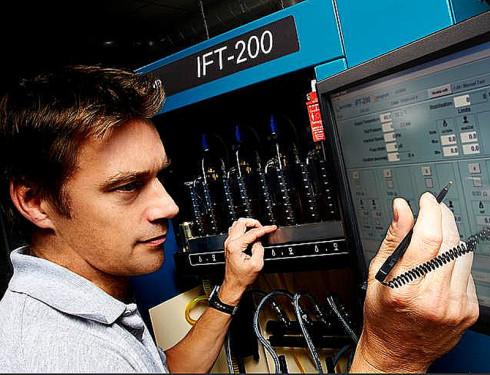 Zkušební stanice IFT-200 HARTRIDGE se může stát vstupní branou do světa oprav vstřikovačů common rail DELPHI, DENSO, CONTINENTAL (VDO), STANADYNE a BOSCH.