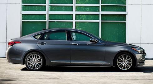 Nový prémiový sedan Hyundai Genesis oslavil  světovou premiéru na autosalonu (v Detroitu