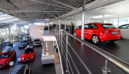 Autoperiskop.cz  – Výjimečný pohled na auta - Porsche Praha Smíchov otevírá největší autosalon Audi v centru Prahy