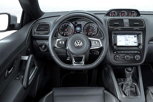 Nový Volkswagen Scirocco a Scirocco R bude představen ve světové premiéře na březnovém autosalonu v Ženevě a v prodeji budou oba modely již od srpna tohoto roku