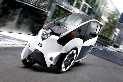 """Společnost Toyota Motor Corporation zahájila v širší oblasti Tokia  zákaznické testování elektrického elektromobilu """"i-Road"""""""