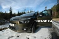 Autoperiskop.cz  – Výjimečný pohled na auta - Citroën Grand C4 Picasso. Přehled motorů, výbav a cen.
