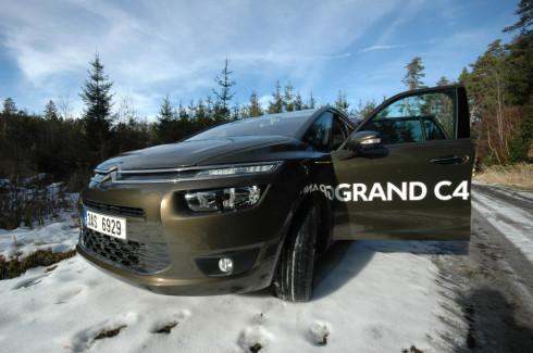 Citroën Grand C4 Picasso. Přehled motorů, výbav a cen.