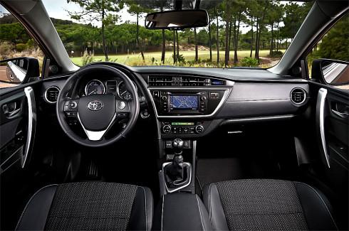 Společnost Toyota Motor Czech (TMCZ) připravila atraktivní jarní nabídku pro model Auris – akční výbavu Advantage