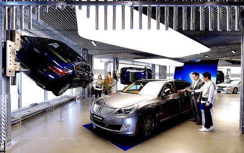 Hyundai představil první zážitkový showroom Hyundai Motorstudio v obchodní čtvrti Gangnam v jihokorejském Soulu