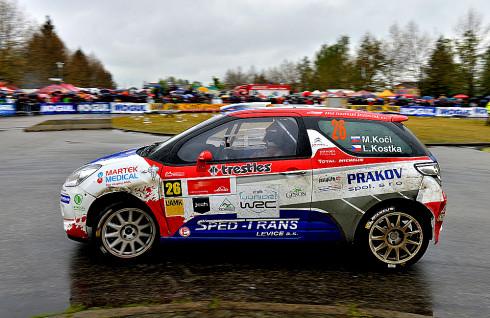 Martin Koči s Lukášem Kostkou a vozem Citroën DS3 R3T dosáhli tento víkend trojnásobné prvenství na Rallye Český Krumlov 2014