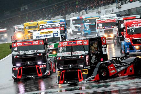 Goodyear slaví deset let působení v evropském šampionátu závodů tahačů – letos první závod tahačů tento víkend: 24. a 25.května na okruhu v italském Misanu