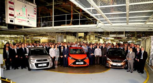 Kolínská automobilka TPCA Toyota Peugeot Citroën slaví zahájení sériové produkce nové generace vozů Toyota AYGO, Peugeot 108 a Citroën C1.