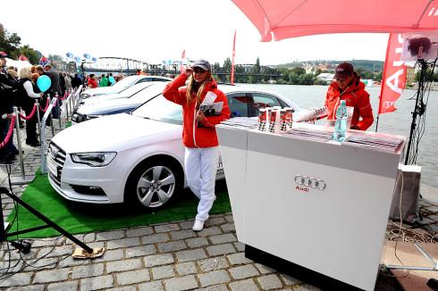 Autoperiskop.cz  – Výjimečný pohled na auta - Značka Audi zve nejen příznivce veslařského sportu na Rašínovo nábřeží, kde v neděli 8.června od 11.20 h pod její záštitou proběhne závod ženských osmiveslic