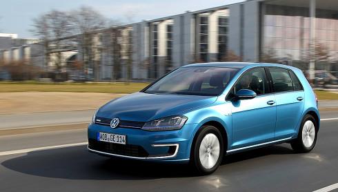 Autoperiskop.cz  – Výjimečný pohled na auta - Volkswagen uvádí na český trh již druhý elektromobil: Nový Volkswagen e-Golf s dojezdem 190 km s elektromotorem o výkonu 85 kW