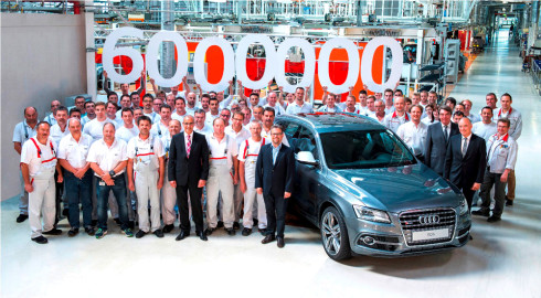 Autoperiskop.cz  – Výjimečný pohled na auta - Značka Audi slaví: Z montážní linky závodu Ingolstadt sjelo šestimilionté Audi s pohonem quattro