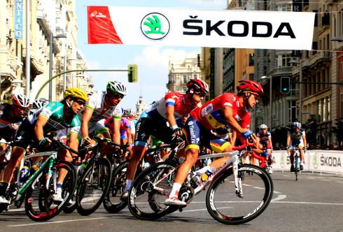 Autoperiskop.cz  – Výjimečný pohled na auta - Silný tým: ŠKODA je dodavatelem oficiálního vozu legendárního závodu okolo Španělska 'La Vuelta'