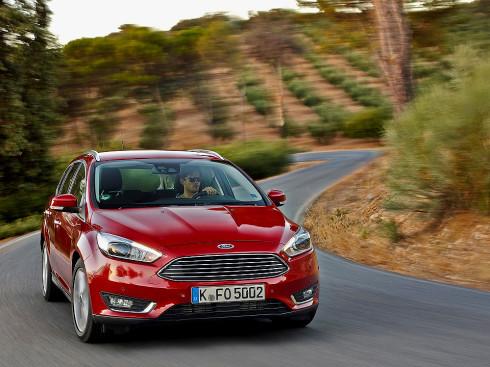 Autoperiskop.cz  – Výjimečný pohled na auta - První kusy nového Ford Focusu míří ze závodu společnosti Ford v německém Saarlouis k prodejcům Fordu po celé Evropě