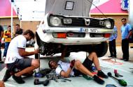 Autoperiskop.cz  – Výjimečný pohled na auta - Štajfův útok na první místo zhatil na La Carrera Panamericana zlomený hnací hřídel