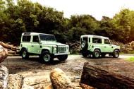 Autoperiskop.cz  – Výjimečný pohled na auta - Land Rover nadělil fanouškům limitované edice ikonického Defenderu