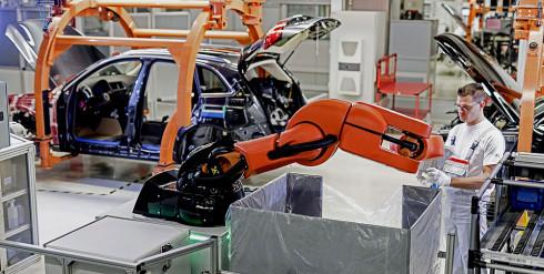 Neue Mensch-Roboter-Kollaboration in der Audi-Produktion