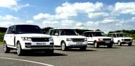 Autoperiskop.cz  – Výjimečný pohled na auta - Kultovní Range Rover slaví 45. Narozeniny – Range Rover byl poprvé představen v roce 1970