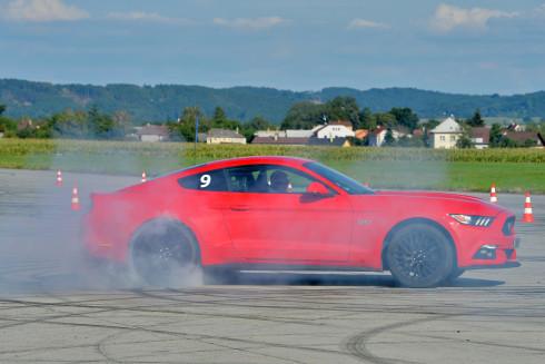 Představení nového Fordu Mustang - 2_9_2015 (44)