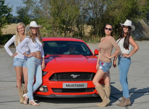 Představení nového Fordu Mustang - 2_9_2015 (53)
