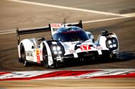 Autoperiskop.cz  – Výjimečný pohled na auta - Porsche poprvé představuje fotografie motoru prototypu Porsche 919 Hybrid, vítěze závodu 24 hodin Le Mans