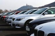 Autoperiskop.cz  – Výjimečný pohled na auta - Na tisíc lidí z celé republiky dorazilo v neděli do areálu mosteckého autodromu na historicky první sraz majitelů vozů BMW