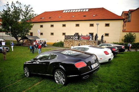 Autoperiskop.cz  – Výjimečný pohled na auta - V sobotu 14.května zaplní areál pražského dubečského parku aristokratické vozy Rolls-Royce a Bentley a další historická a exkluzivní vozidla