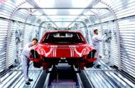 Autoperiskop.cz  – Výjimečný pohled na auta - Nová generace Porsche Panamery, jejíž světová premiéra proběhla před dvěma dny v Berlíně, bude kompletně vyráběna v továrně Porsche v Lipsku