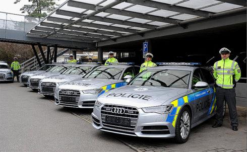 Autoperiskop.cz  – Výjimečný pohled na auta - Policie má nová speciální vozidla AUDI od Porsche Inter Auto CZ