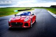 Autoperiskop.cz  – Výjimečný pohled na auta - Jaguar F-TYPE pro modelový rok 2018 využívá technologii GoPro•