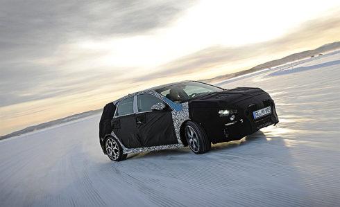 Autoperiskop.cz  – Výjimečný pohled na auta - Pilot WRC testuje ostrou verzi Hyundai i30 N na zamrzlém jezeře