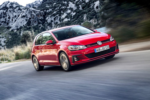 Skalní fanoušci modelu Volkswagen GTI si již mohou nakonfigurovat a objednat svůj vůz snů