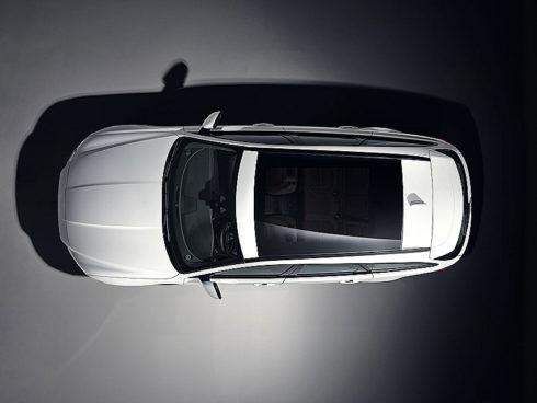 Autoperiskop.cz  – Výjimečný pohled na auta - Značka Jaguar maličko poodhalila svůj nový Jaguar XF Sportbrake na centrálním kurtu Wimbledonu