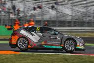 Autoperiskop.cz  – Výjimečný pohled na auta - Úspěšný vstup do nové sezony ETCC: SEAT a Petr Fulín dvakrát na stupních vítězů v Monze