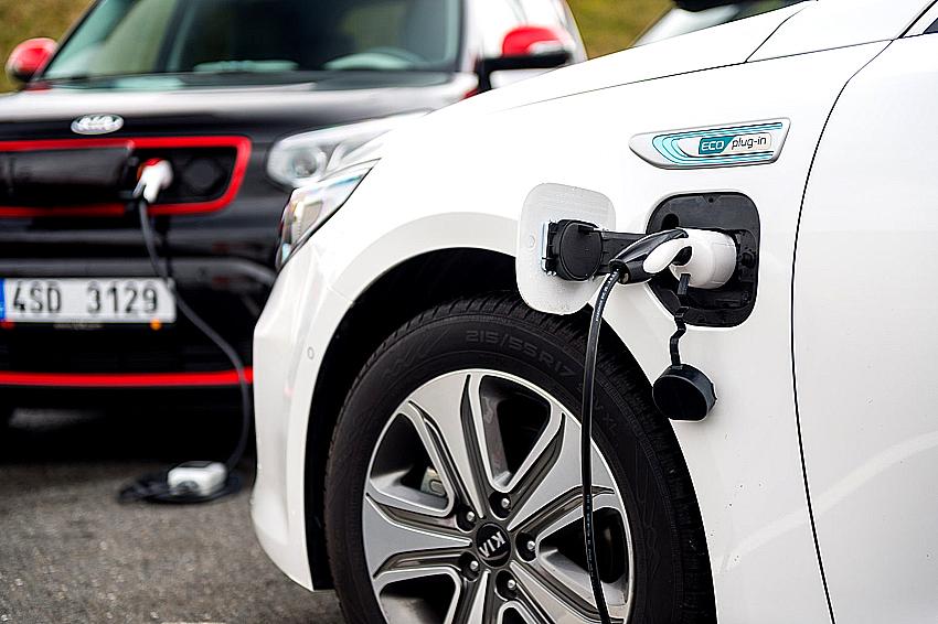 Autoperiskop.cz  – Výjimečný pohled na auta - Kia díky vyspělým pohonným jednotkám dosahuje historicky nejvyššího podílu na evropském trhu
