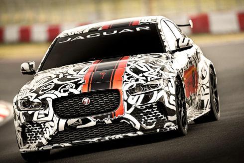 Autoperiskop.cz  – Výjimečný pohled na auta - Nový sedan pro běžný provoz Jaguar XE SV Project 8 je dalším sportovním vozem z řady Collector's Edition navrženým, zkonstruovaným a vyrobeným divizí SVO: limitovaná edice čítá 300 vozů pro celý svět.