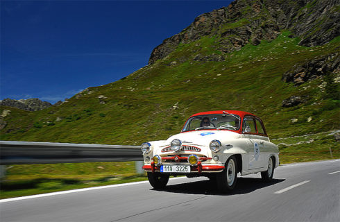 Autoperiskop.cz  – Výjimečný pohled na auta - Veterány na úpatí Alp: Vozy ŠKODA na startu rally Bodensee Klassik  (4. až 6.května 2017)