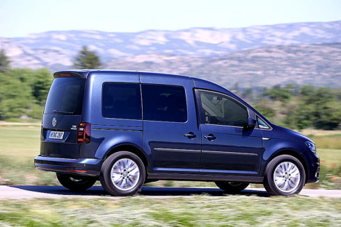 """Autoperiskop.cz  – Výjimečný pohled na auta - """"Král dojezdu"""": Volkswagen Caddy TGI na CNG zajišťuje ekologickou a hospodárnou přepravu"""
