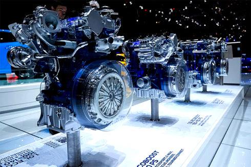 """Zážehový motor Ford 1.0 EcoBoost byl již pošesté za sebou vyhlášen """"nejlepším motorem do jednoho litru"""" v rámci hlasování odborných novinářů International Engine of the Year (Mezinárodní motor roku)"""