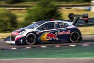 Autoperiskop.cz  – Výjimečný pohled na auta - Novým majitelem legendárního Peugeotu 208T16 Pikes Peak se stal Sébastien Loeb, pilot týmu Peugeot Total – devítinásobný mistr světa v rallye
