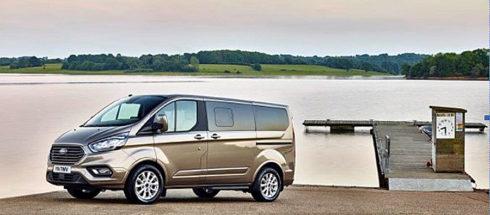 Autoperiskop.cz  – Výjimečný pohled na auta - Ford představuje nový velkoprostorový model Tourneo Custom s výrazným exteriérem a zcela novým prémiovým interiérem
