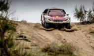 Autoperiskop.cz  – Výjimečný pohled na auta - Loeb v čele dalšího dvojitého vítězství Teamu Peugeot Total ve chvíli, kdy Silk Way Rally dosáhla své poloviny
